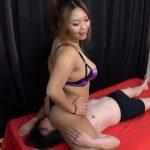 ヤンキーっぽいぽっちゃり黒ギャルS女・涼谷瀬菜が爆尻顔面騎乗でM男責め!